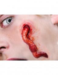 Cicatrici con larva applicazione con acqua - Premium