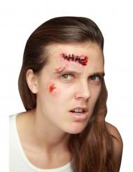 Trucco Halloween: finti punti di sutura.