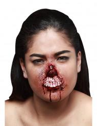 Trucco Halloween: finta ferita labbro strappato