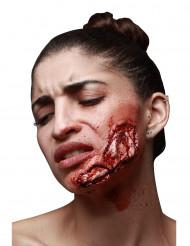 Trucco Halloween: ferita aperta sulla mascella