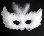 Maschera veneziana con piume bianche
