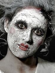 Trucco cicatrice pelle bianca