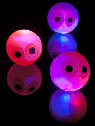 Palline rimbalzanti luminose con occhi