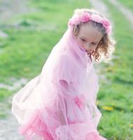 Corona a fiori rosa con velo per bambina