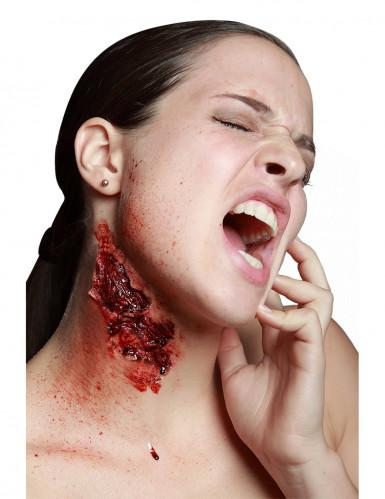 Trucco Halloween: finto morso profondo