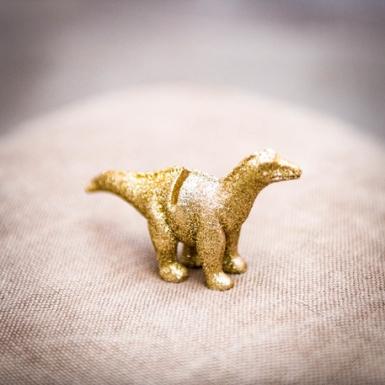 4 Segna posto in resina dinosauro dorato 9.5 x 9 cm-1